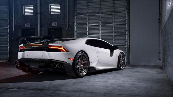 Lamborghini Huracán wallpaper