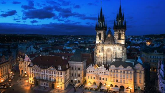 Tyn Church and Old Town Square (Prague) wallpaper