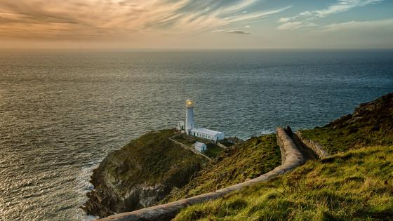 South Stack Lighthouse (Wales) wallpaper