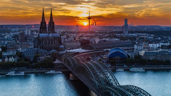 Hohenzollern Bridge above Rhine- Cologne wallpaper