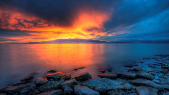 Utah Lake at sunset wallpaper