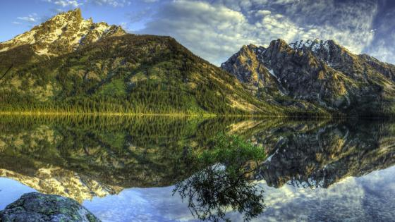 Cascade Canyon from Jenny Lake (Grand Teton National Park) wallpaper