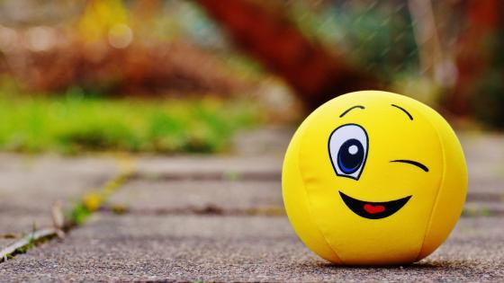 Smiley face ball wallpaper