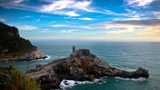 Church of Saint Peter at the coast of Portovenere wallpaper