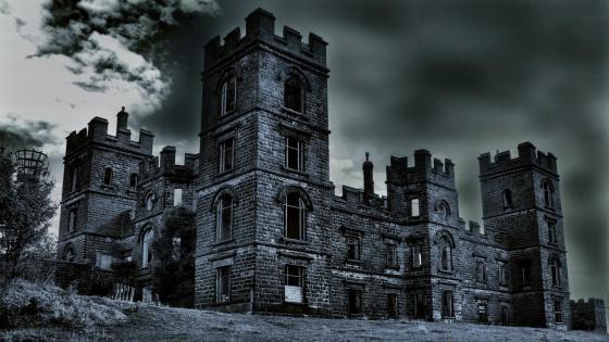 Abandoned castle wallpaper