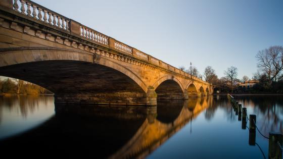 Serpentine Bridge (London) wallpaper