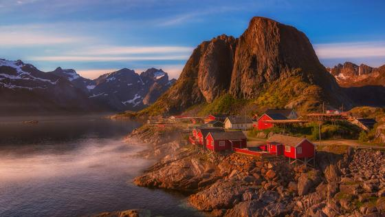 Hamnoy fishing village wallpaper