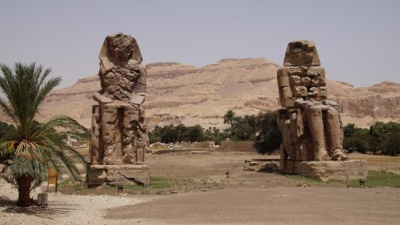 Colossi of Memnon wallpaper