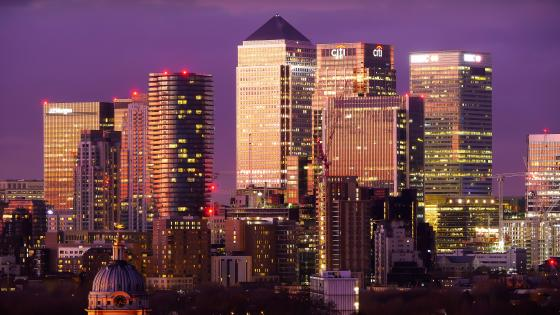 Canary Wharf at dusk wallpaper