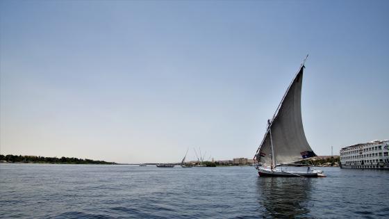 Sailboat on the Niel wallpaper