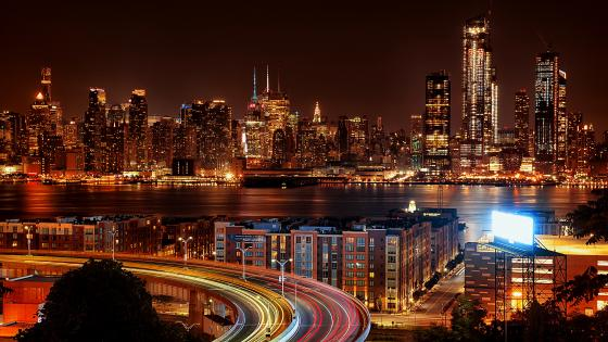 Night view of New York City wallpaper
