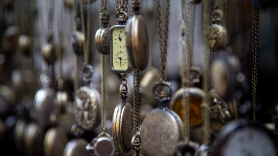 Antique pocket watches wallpaper