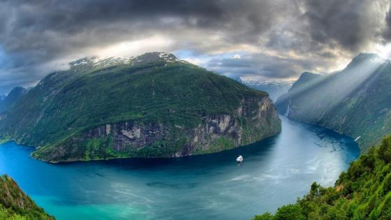 Geirangerfjord wallpaper