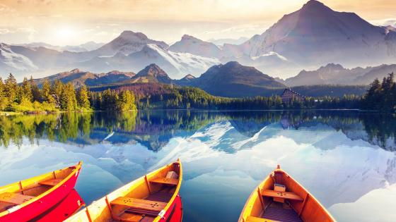 Rowing boats on the Strbske Pleso wallpaper