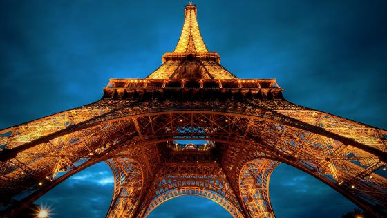 Eiffel Tower, Paris wallpaper