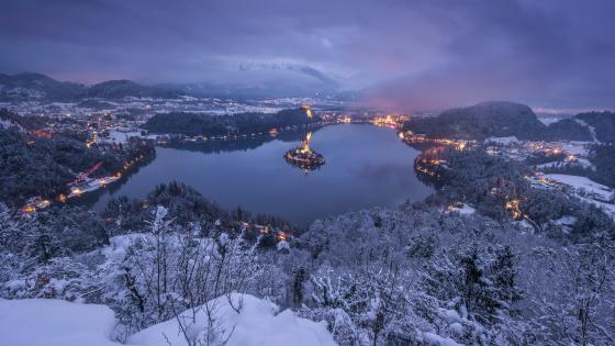 Lake Bled in winter wallpaper