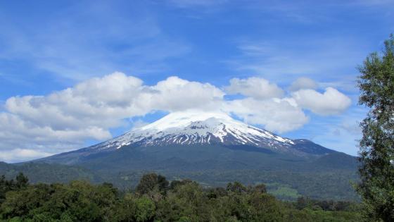 Vulkan in Chile wallpaper