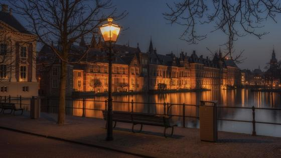 Hague at night wallpaper