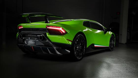 Lamborghini Huracan Performante rear wallpaper
