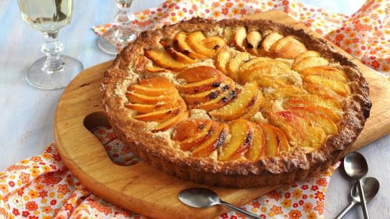 Peach Tart cake wallpaper