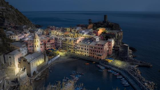 Vernazza at night wallpaper