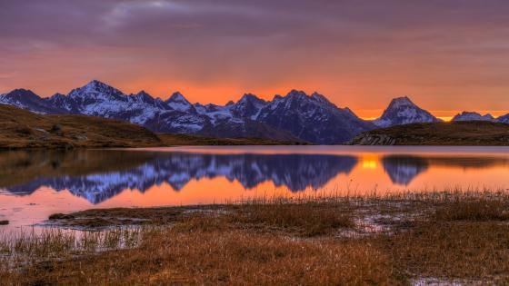 Mountain range reflection wallpaper