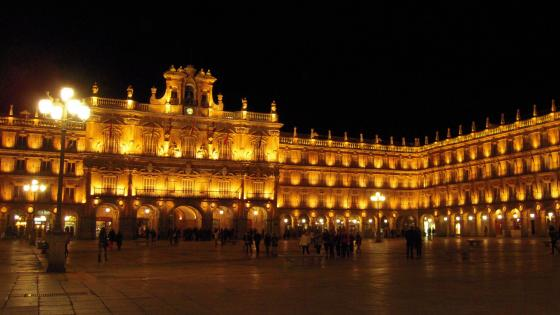 Panorámica Plaza Mayor Salamanca de Noche wallpaper