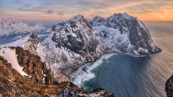Peaks of Lofoten wallpaper