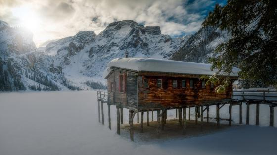The frozen Pragser Wildsee (Dolomites) wallpaper