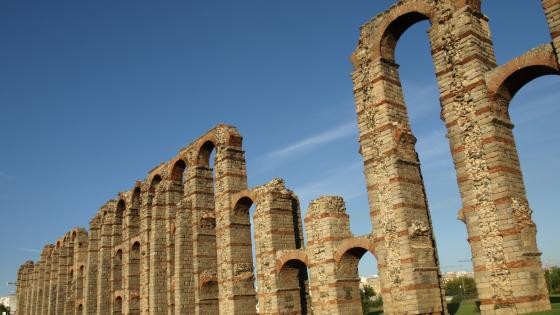 Aqueduct of Los Milagros wallpaper