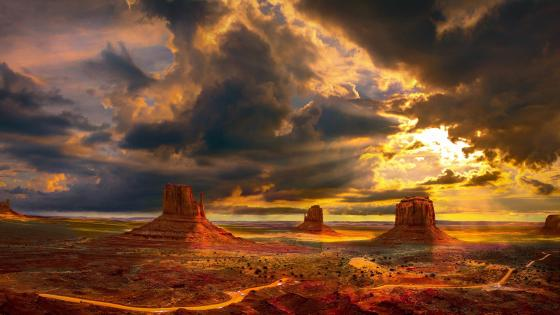 Monument Valley, West and East Mitten Buttes wallpaper