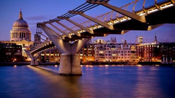 Millenium Bridge (London) wallpaper