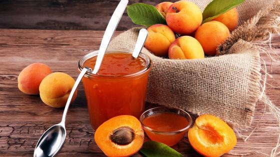 Apricot jam (Lekvar) wallpaper
