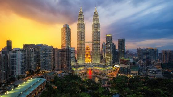 Petronas Twin Towers (Kuala Lumpur, Malaysia) wallpaper