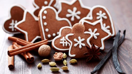 Christmas gingerbreads wallpaper