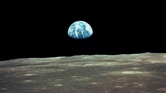 Earthrise wallpaper