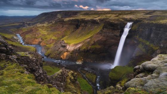 Haifoss Waterfall (Iceland) wallpaper