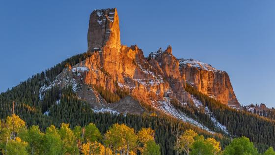 Chimney Rock and Courthouse Mountain wallpaper