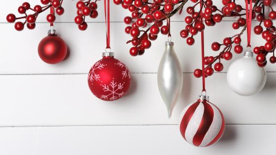Red and white Christmas decoration wallpaper
