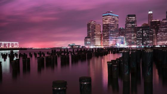 East River pier stumps and Lower Manhattan skyline wallpaper