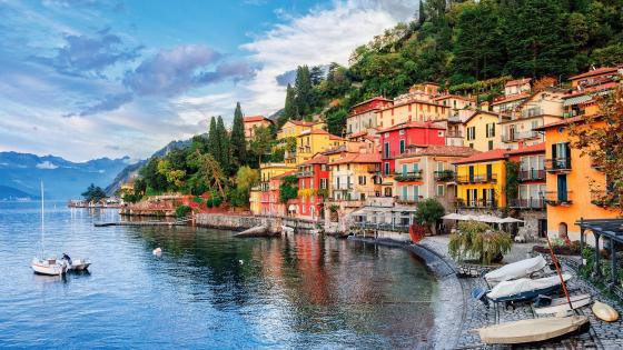 Varenna on Lake Como wallpaper
