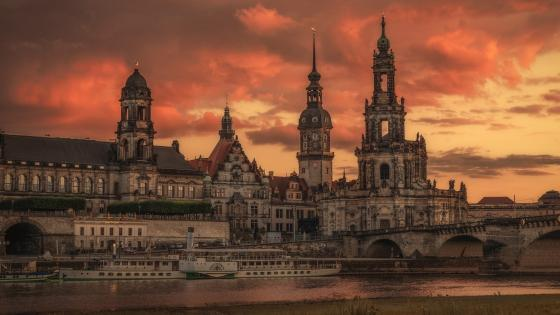 Dresden Cathedral wallpaper