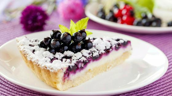 Slice of blueberry pie wallpaper