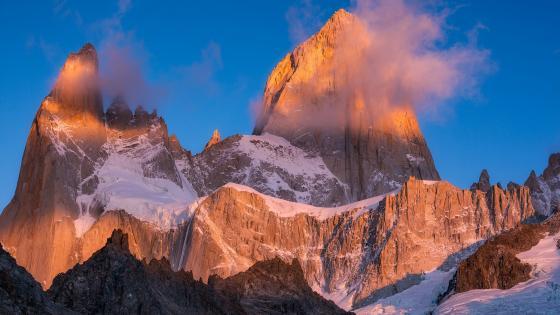 Monte Fitz Roy (Los Glaciares National Park) wallpaper
