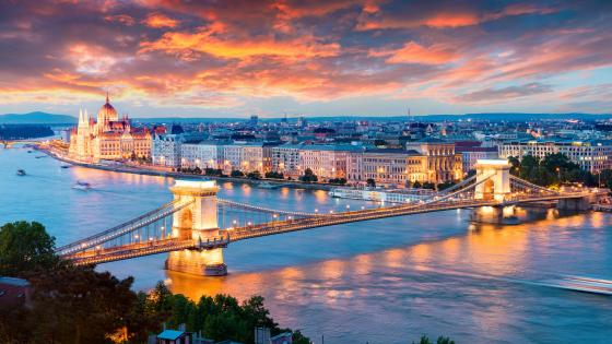 Chain Bridge (Budapest) wallpaper