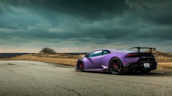 Purple Lamborghini Huracán wallpaper