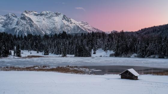 Hut at a frozen lake wallpaper