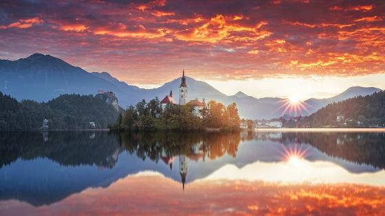 Bled Castle on Bled Island (Slovenia) wallpaper