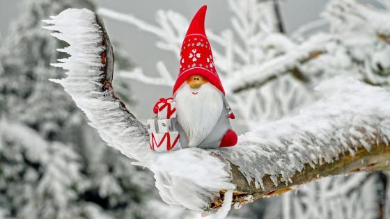 Cute Santa Claus figure wallpaper