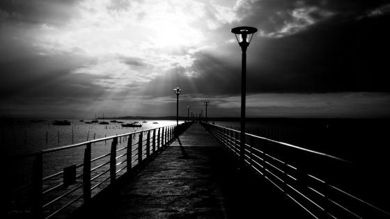Black and white pier wallpaper